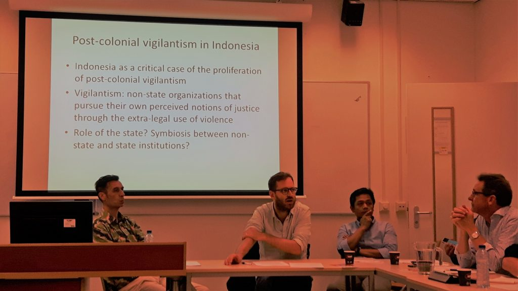(Left to right) Peter Keppy (NIOD Amsterdam), Bart Luttikhuis (Leiden University) and Abdul Wahid (KITLV): 'Violence strikes root: why vigilantism became central to Indonesian politics, 1943–1955'